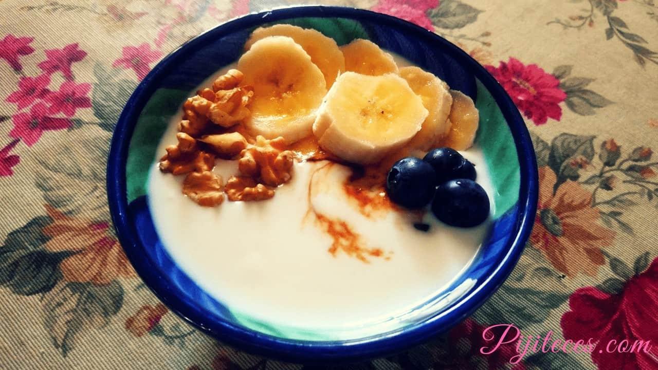Kéfir de leche de vaca con frutas y nueces