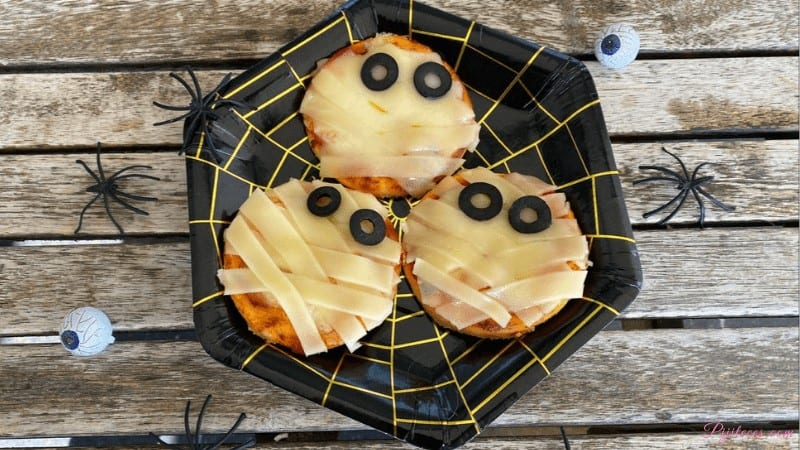 Mini pizzas de momia para Halloween